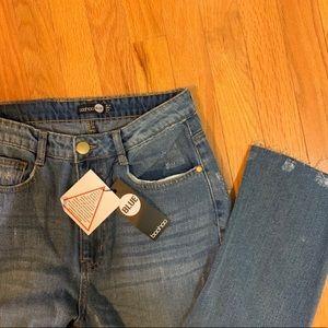 Boohoo Sophie high waist mom jeans raw hem size 8